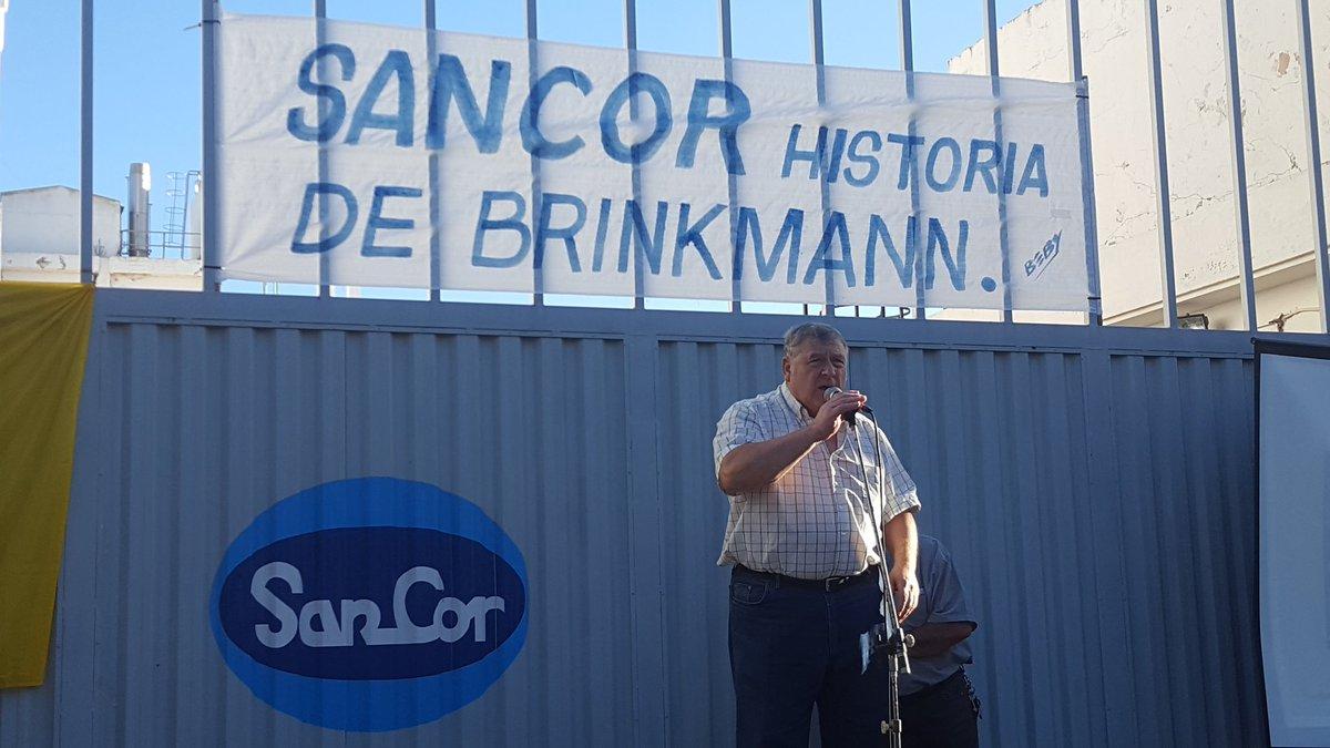 Abrazo a SanCor en Brinkmann