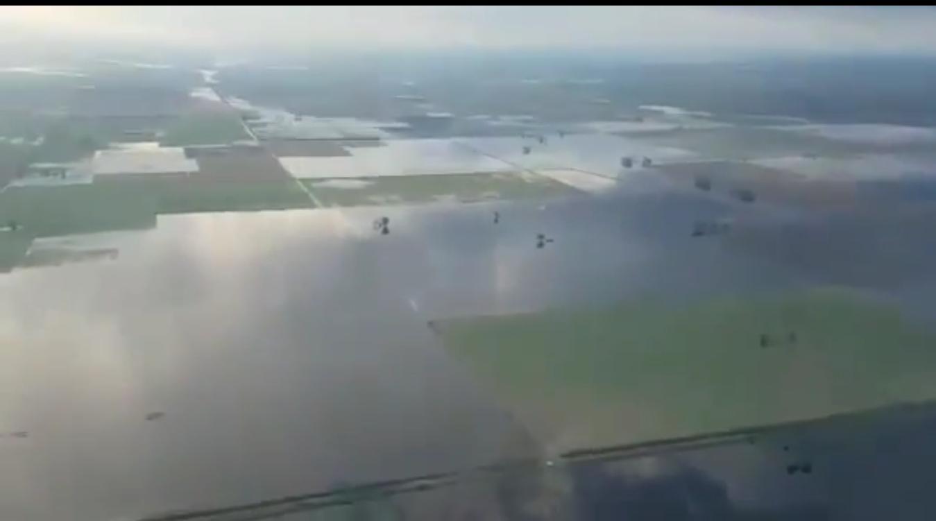 Impactantes imágenes de las inundaciones en la región   YouTube