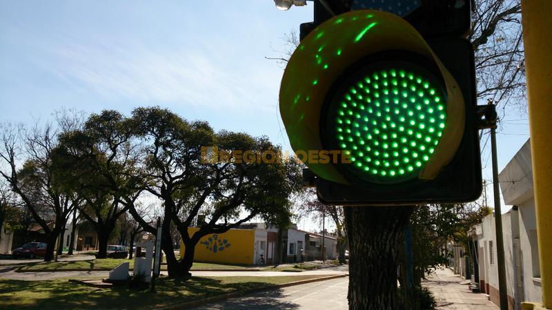 Luces Led en Avenida Suipacha