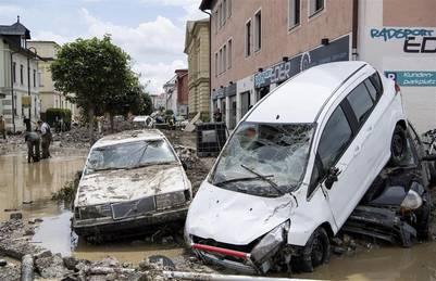 Daños ocasionados por las inundaciones en el centro de la localidad de Simbach, Alemania. EFE