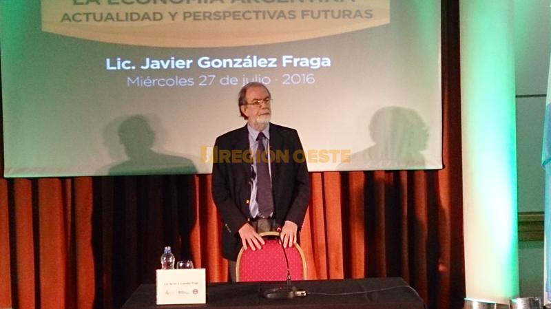 Javier González Fraga en el Centro Comercial e Industrial de Rafaela