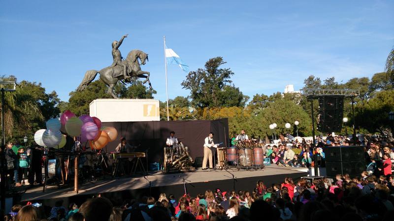 Globotomía en la plaza 25 de Mayo
