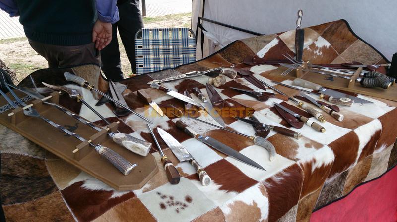Feria de artesanos en el Parque Apadir de Rafaela