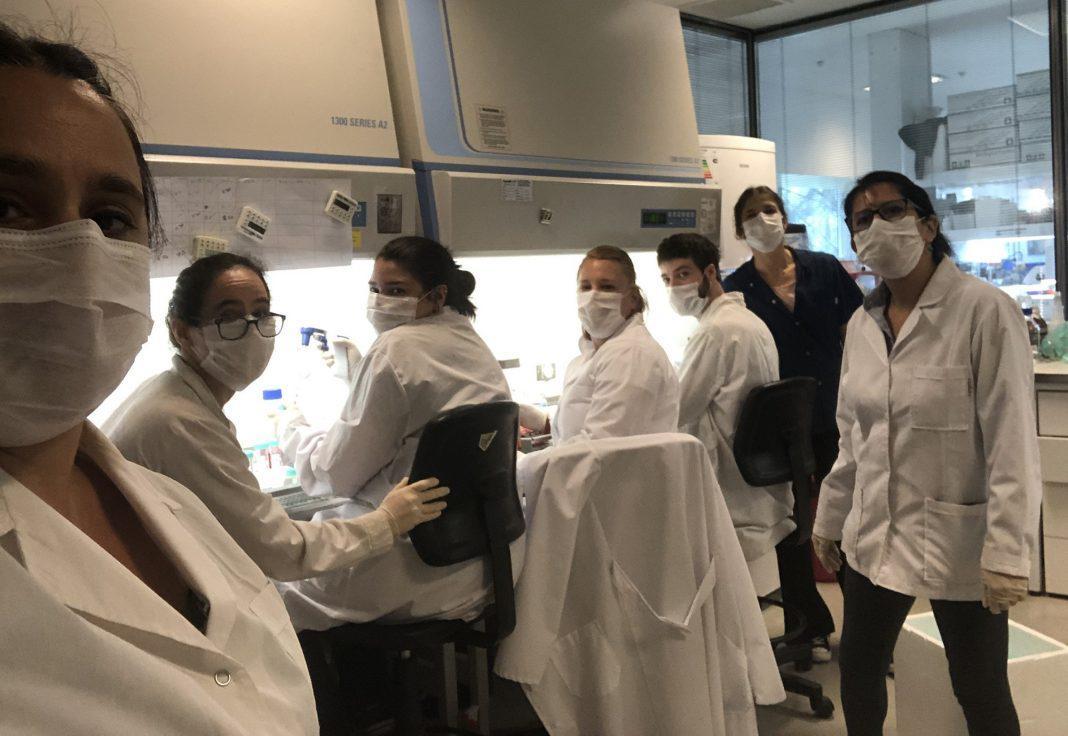 Equipo de científicos argentinos que hoy trabajan en el desarrollo de la vacuna contra el Covid-19