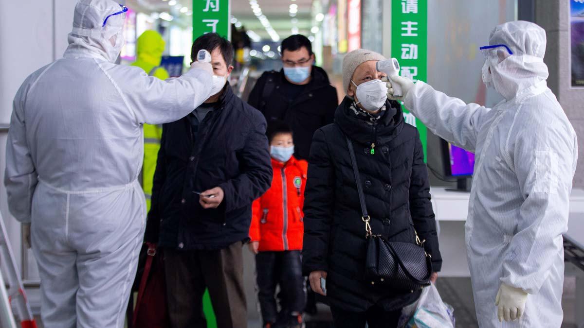 aumentan-2004-los-muertos-74185-los-contagiados-por-coronavirus-china-1582099314023