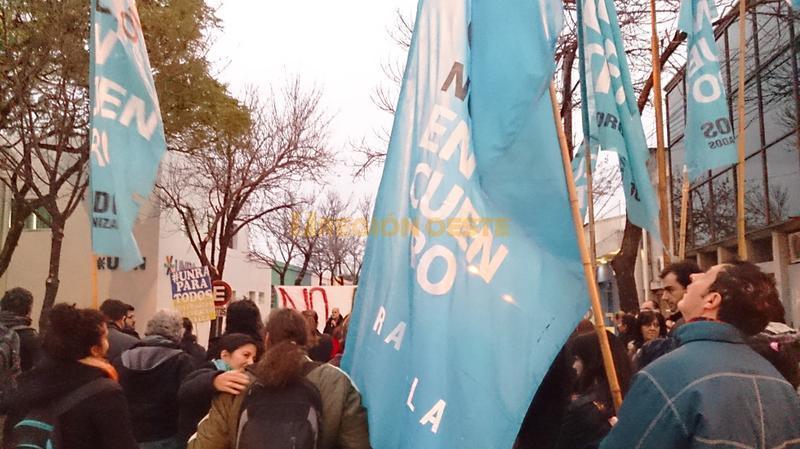 Frentes de izquierda se sumaron a la protesta de la UNRA