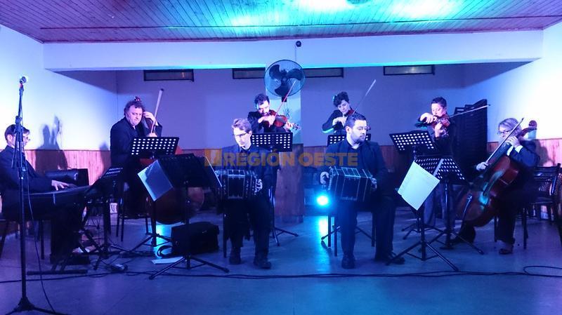 Orquesta Municipal de Tango en la Vecinal del Barrio Güemes