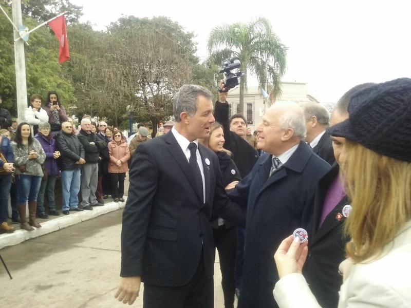 Omar Martínez con Miguel Lifschitz en la 25° Fiesta del Folklore Suizo en San Jerónimo Norte