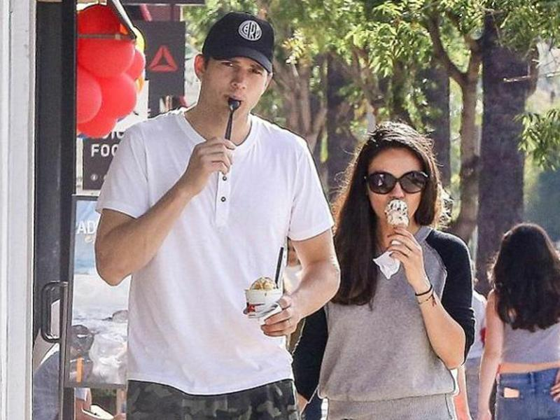 Ashton Kutcher con Mila Kunis