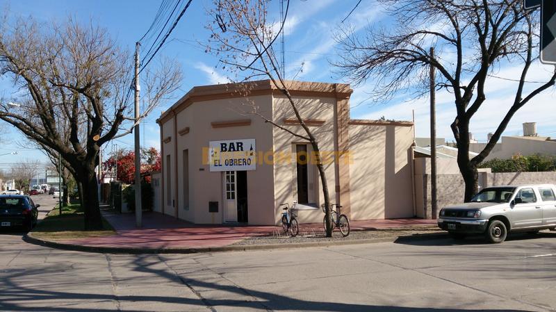 El Bar El Obrero es uno de los pocos lugares que aún quedan de este tipo
